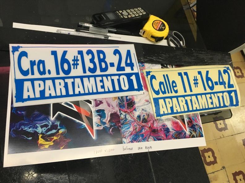 Nomenclaturas – Placas – Direcciones.