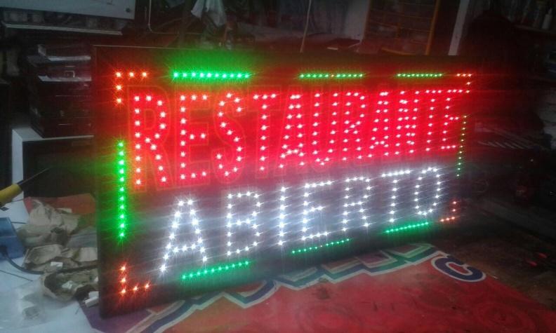 Aviso LED Personalizado – Varios Efectos – Buena Visibilidad.
