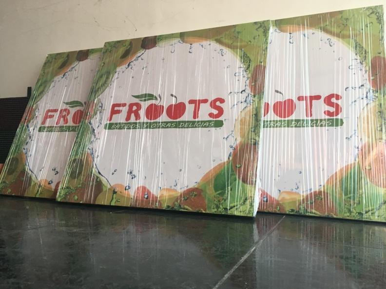 Branding Mesas – Froots