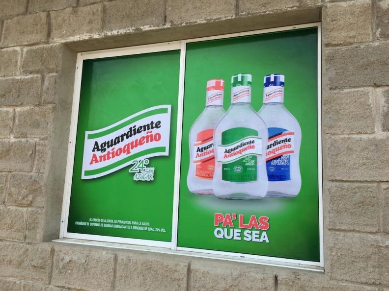 Branding ventanas – Aguardiente Antioqueño.