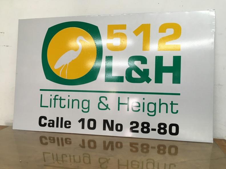 Aviso en Vinilo Reflectivo – 512 L&H.