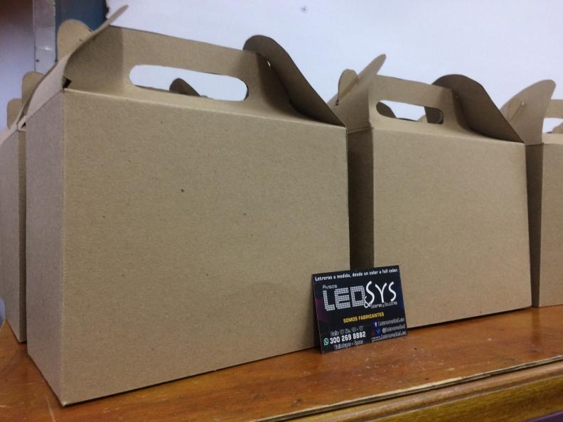 Cajas Tipo Maletin – Carton Kraft