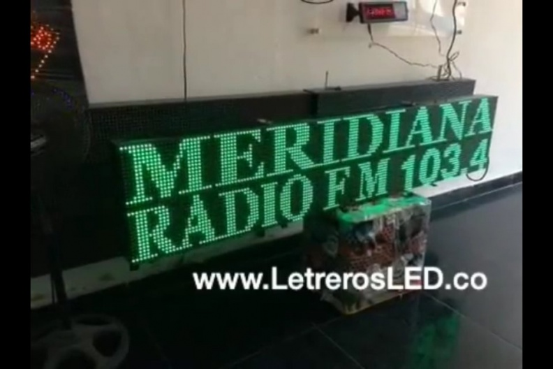 LED Sign Programable USB 160×32. Color Verde. Outdoor. Meridiana Stereo.