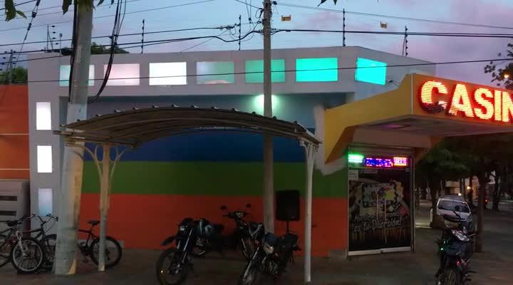 Fachada Cajas Acrilico y LED Pixel – Casino La Florida.